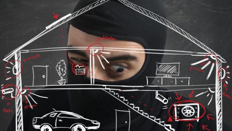 שאלת המיליון דולר: איך נוכל למנוע פריצה לביתנו בחופשה?